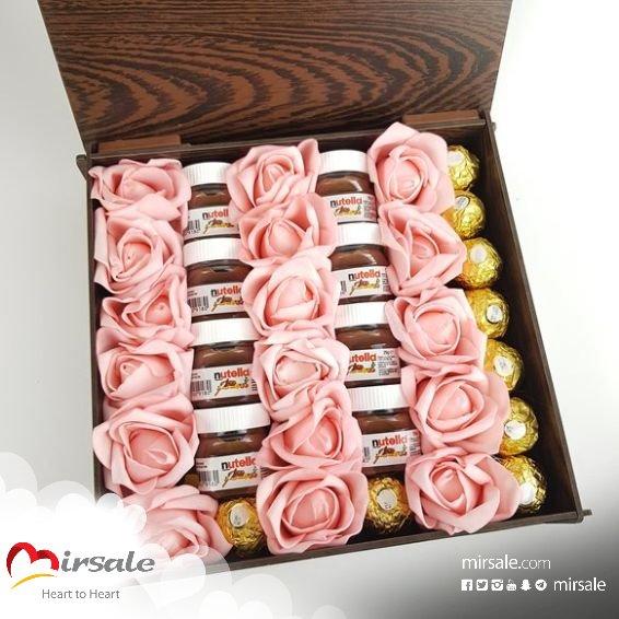 بوكس شوكولا مع الورود